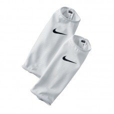 Nike Guard Lock Sleeve 103